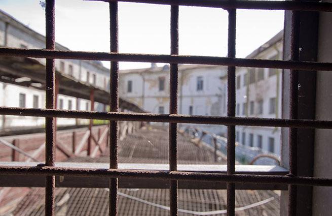 На Харьковщине психически неуравновешенную школьницу отправили в тюрьму