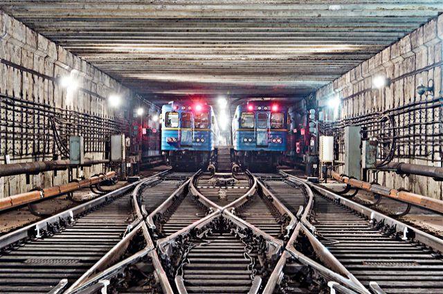 ЧП в харьковском метро. Движение остановлено (фото)