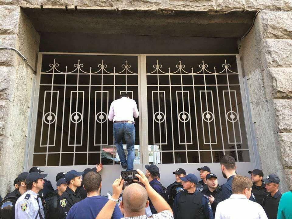 Харьковскими депутатами заинтересовалась полиция
