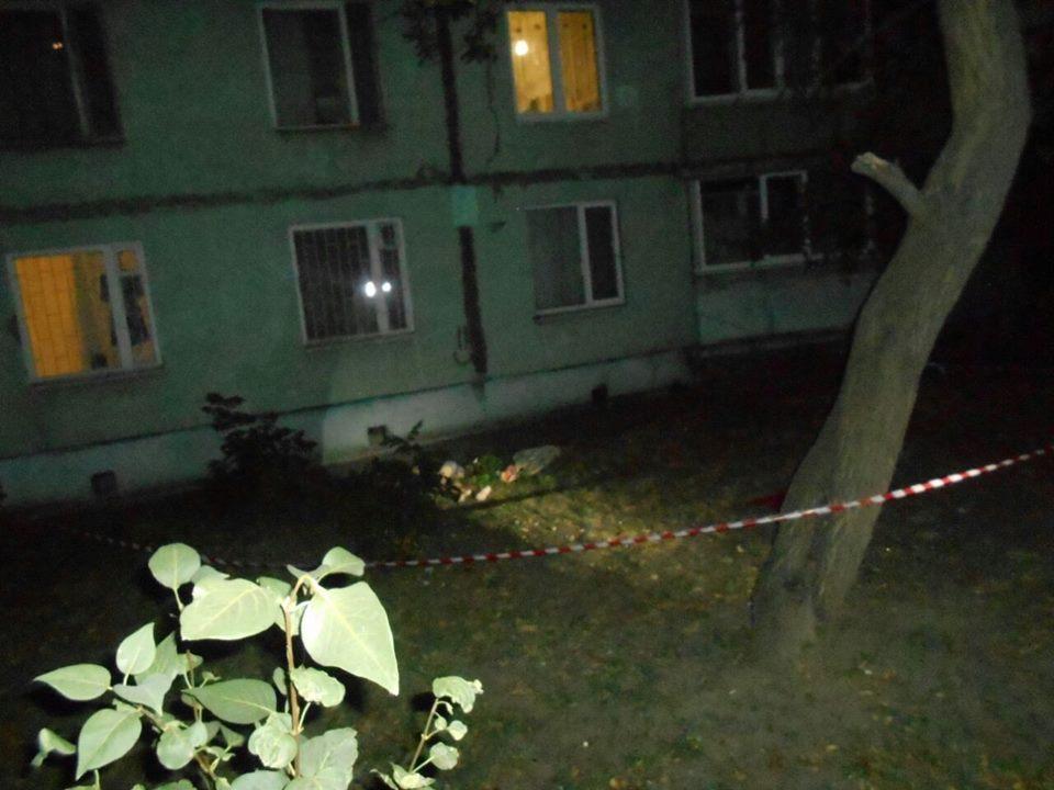 На Салтовке отчаявшийся невротик перепугал ночных прохожих (фото)