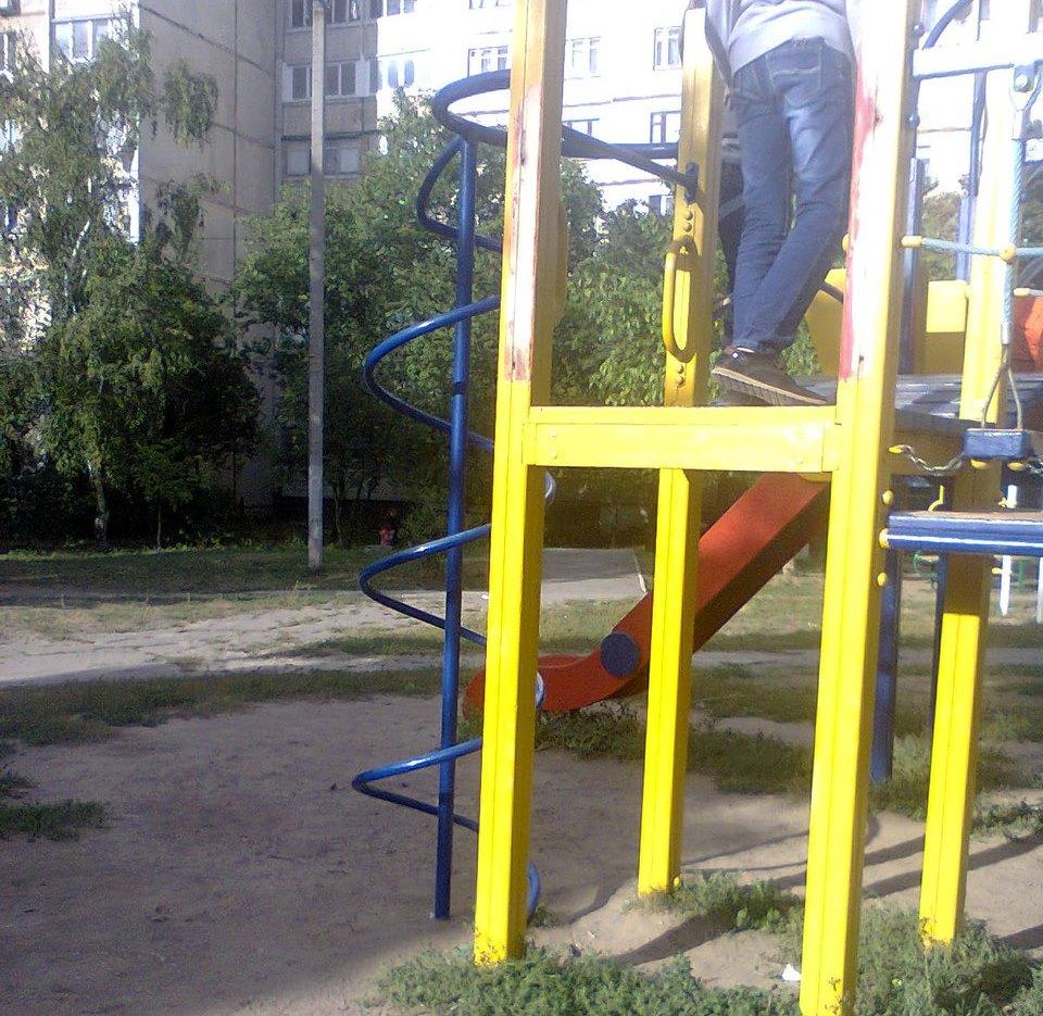 ЧП на Алексеевке. Первоклассница попала в больницу