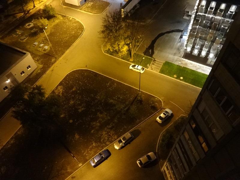 Мужчина накуролесил возле нового центра административных услуг в Харькове (фото)