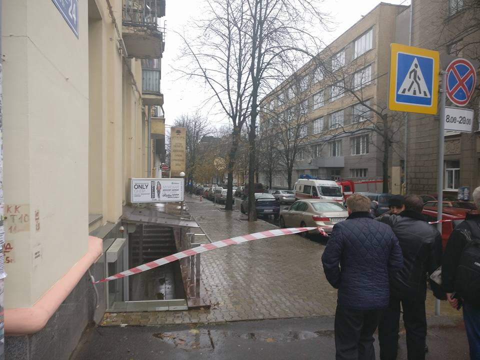 Жители дома в центре Харькова смогли вернуться в свои квартиры только ночью
