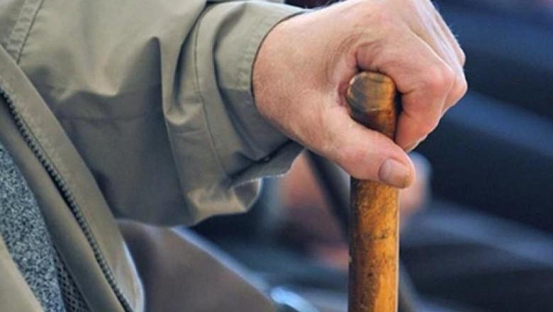 На Харьковщине пенсионер лишился больших денег