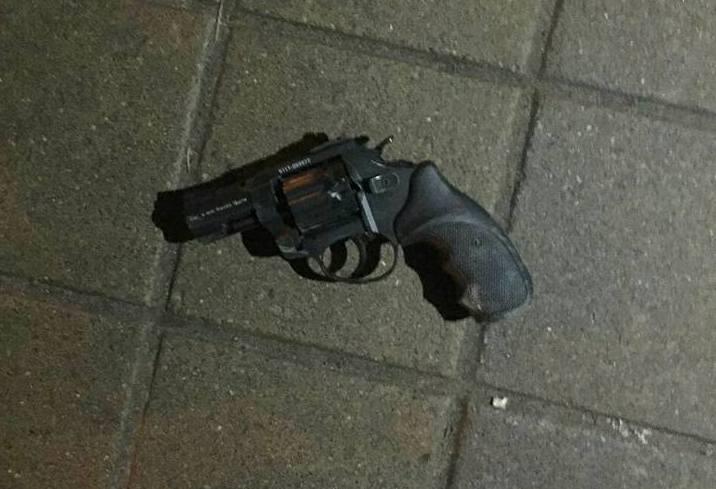 Драка на Южном вокзале. При задержании один из участников отстреливался (фото)