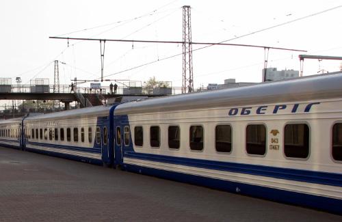 Ночной поезд Харьков-Киев остановился по неизвестным причинам