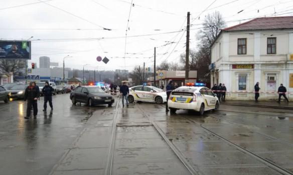 В Харькове взяли заложников