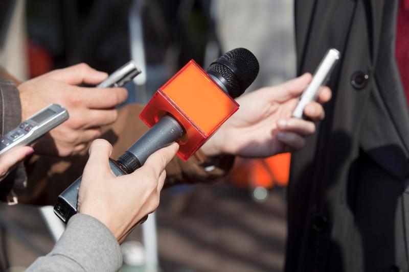 Журналисты попали под жесткий контроль