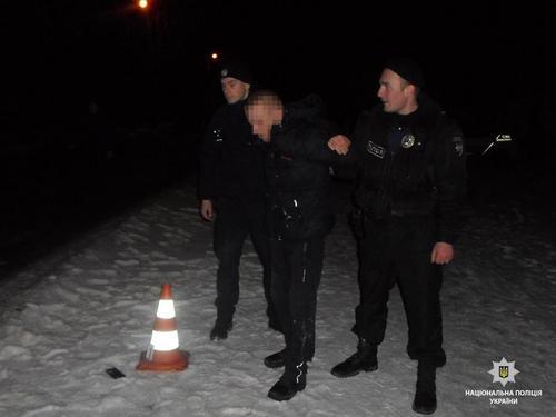 В Харькове посреди улицы напали на мужчину (фото)