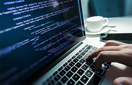 В Харькове мужчина лишился компьютера из-за виртуального документа