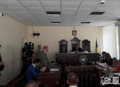Кернеса привезли в суд