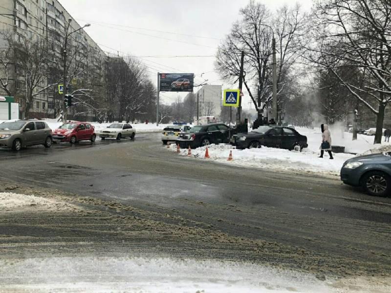 Элитную иномарку разбили на части в Харькове (фото)