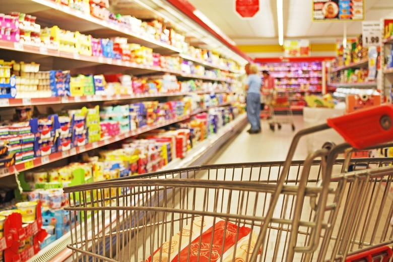 В Харькове на полки продуктовых магазинов попал зараженный продукт