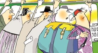 В харьковском транспорте хотят запретить рюкзаки
