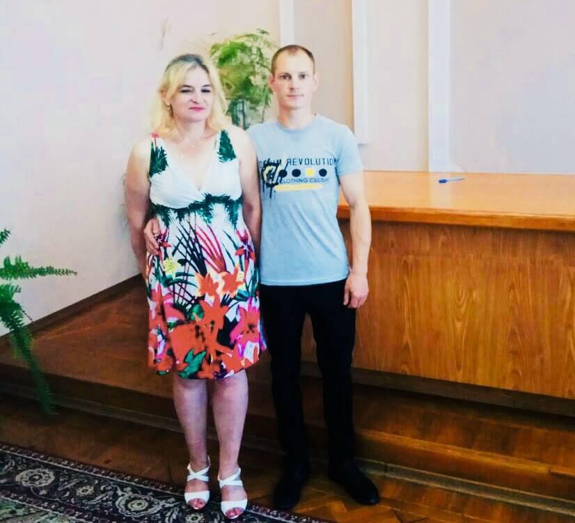 В Харькове группа невест проникла за решетку (фото)