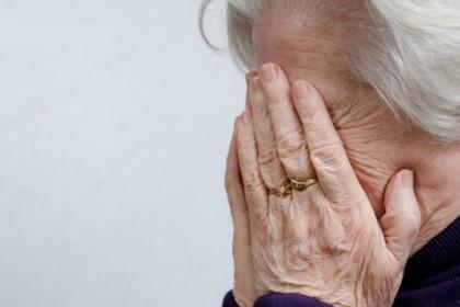 Пенсионерка из Харькова попала в большие неприятности посреди улицы