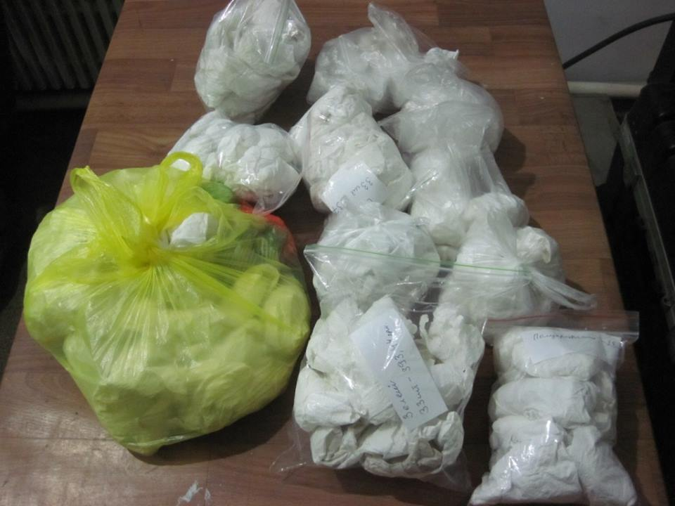 Нервный иностранец с камнями попал в переделку под Харьковом (фото)