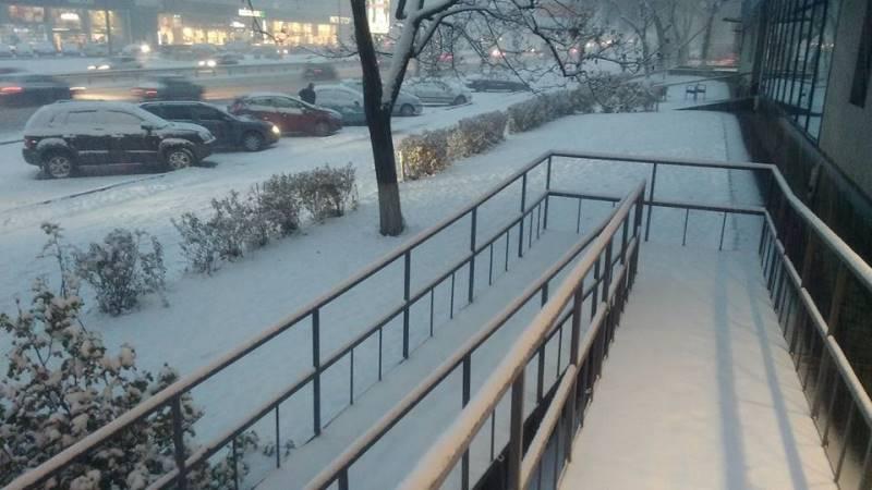 Ночной снегопад оставил без электричества сотни населенных пунктов— Удар стихии