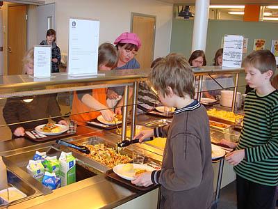 Школьников накормят как в Европе