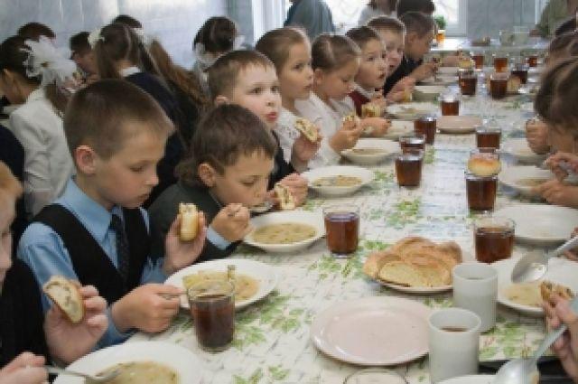На Харьковщине перекормили школьников