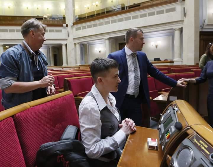 Из Савченко сделают городскую сумасшедшую - политолог