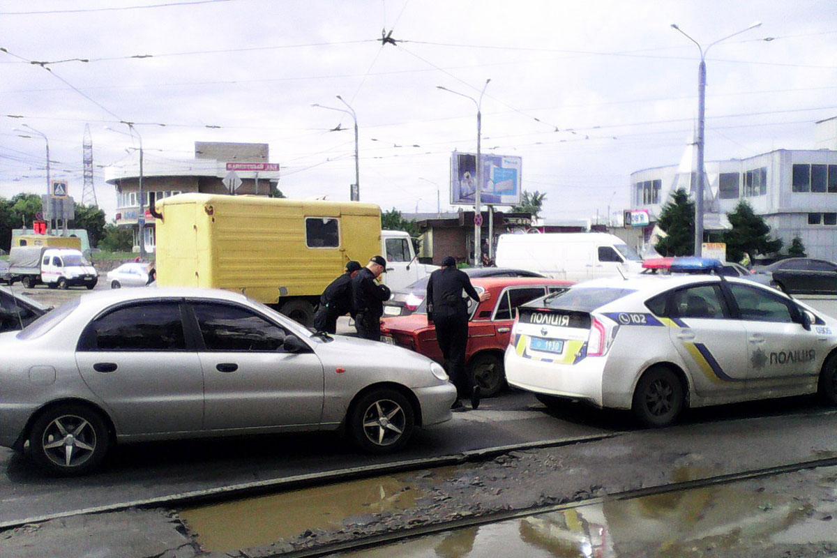 Харьковские правоохранители ошарашили горожан (ФОТО)