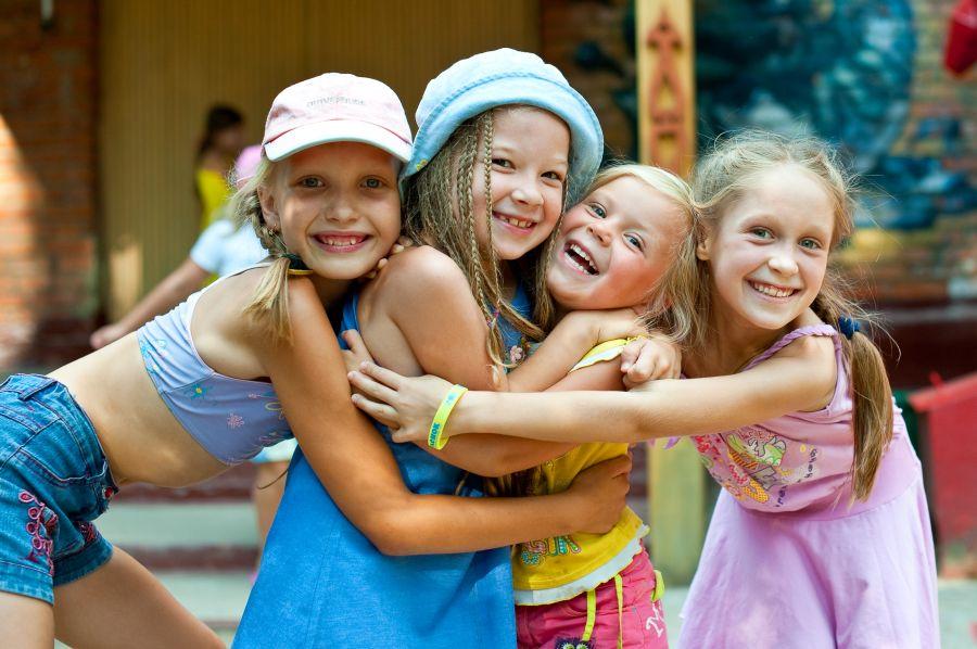 Родители не могут оплатить детский отдых в Харьковской области