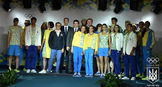 Харьковчанин одел известных спортсменов