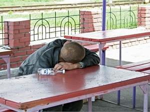 Стало известно, в каком районе Харькова чаще всего выпивают