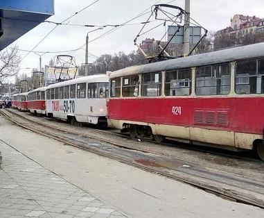 Когда в Харькове остановится городской транспорт