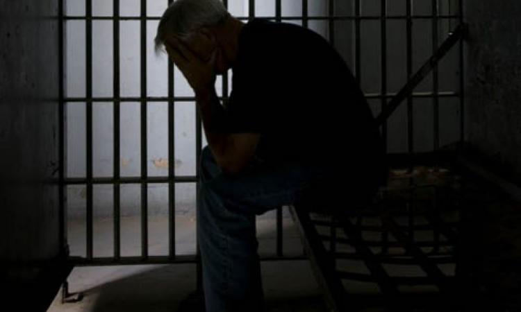 Любовь к пенсионерке довела мужчину до психоза