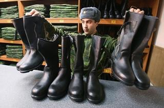 На харьковских юношей объявили охоту