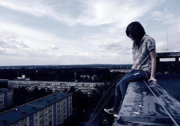 Харьковские подростки рискуют собой (ФОТО)