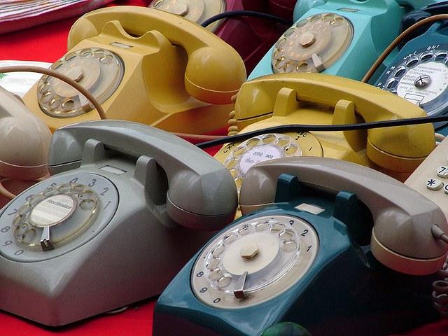 Харьковчане массово выбрасывают телефоны