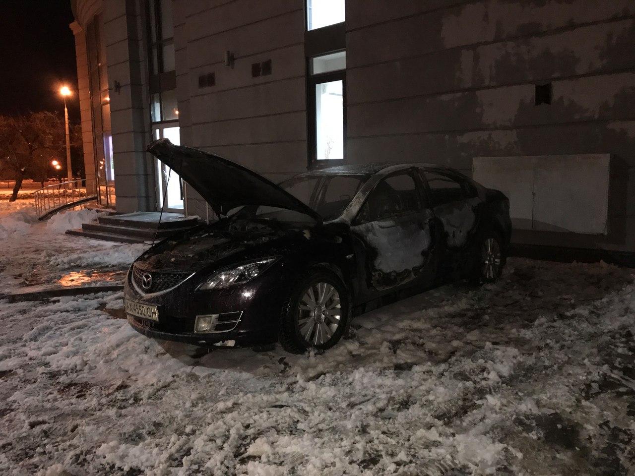 Харьковчане вычислили, кто жжет их машины (ФОТО)