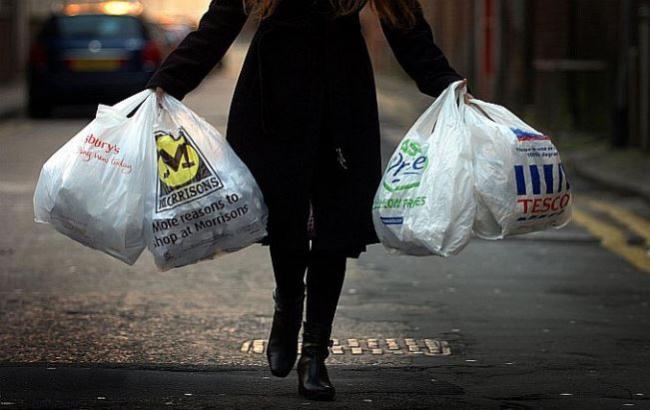 Продавец супермаркета ограбил рассеянную харьковчанку (ФОТО)