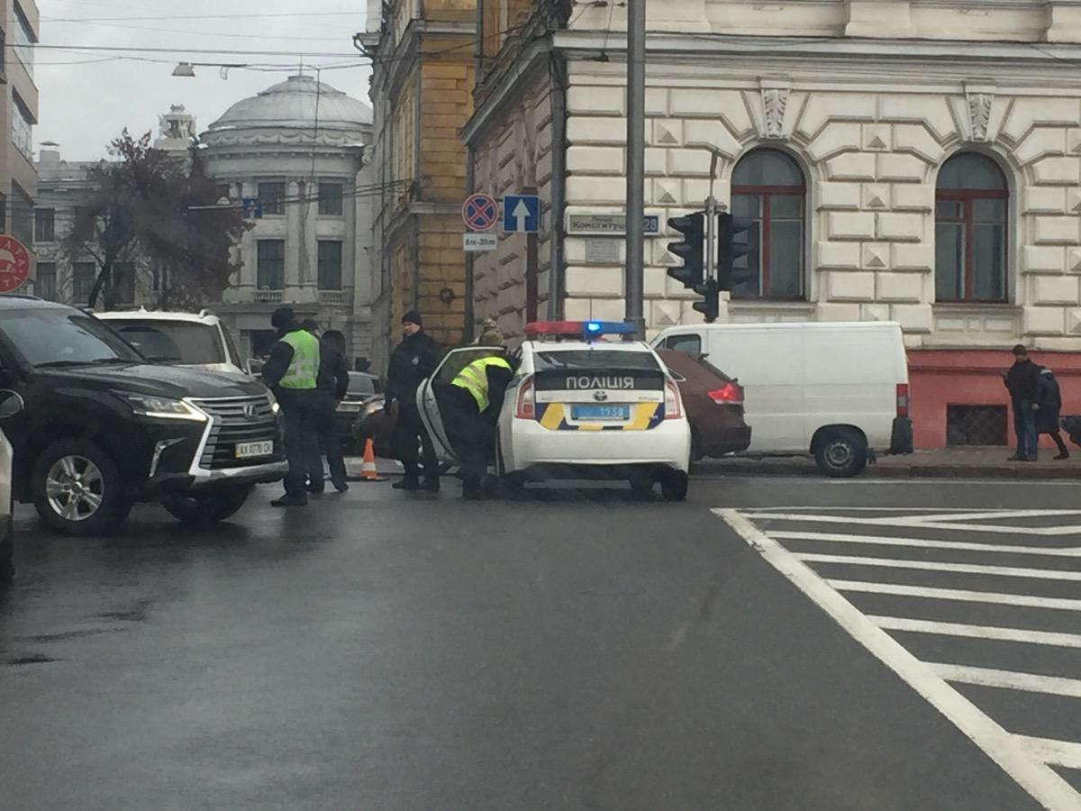 Крупная неприятность произошла в центре Харькова (ФОТО)