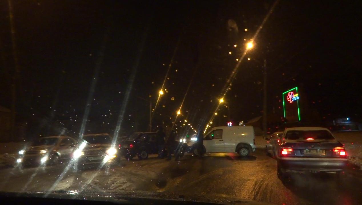 Жителям Салтовки омрачили праздничный вечер (ФОТО, ВИДЕО)