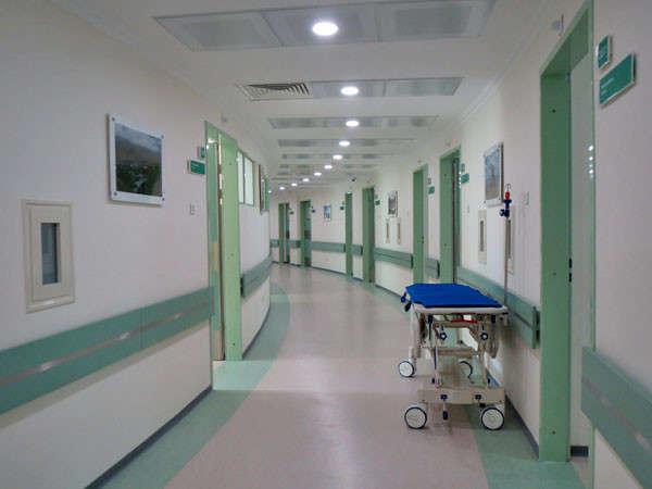 На Харьковщине цыгане устроили погром в больнице из-за умершего ребенка (дополнено)