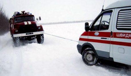 На Харьковщине врачей спасли из западни