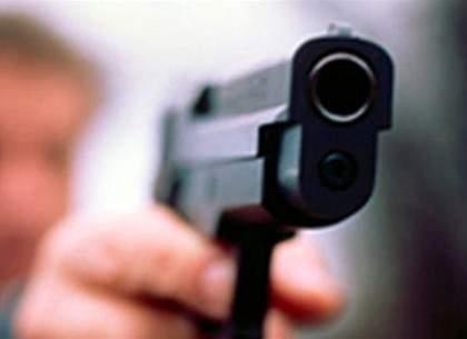 Мужчина с оружием разгуливал по Харькову (ФОТО)