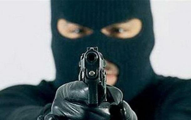 Неизвестные в камуфляжной форме напали на АЗС под Харьковом
