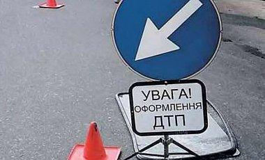Два грузовика перекрыли движение в Харькове (ФОТО)