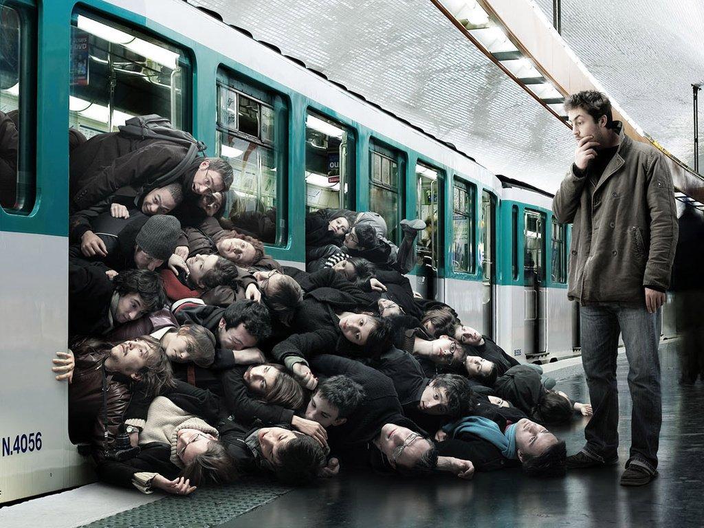 Стало известно, почему стояли поезда в харьковском метро