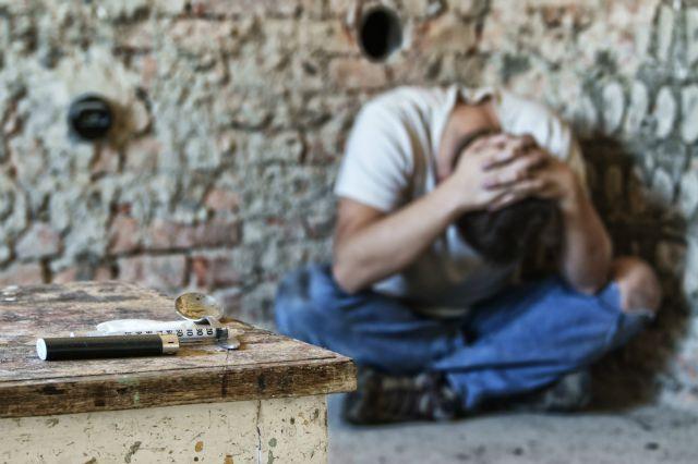 Мужчина с оружием переполошил город под Харьковом