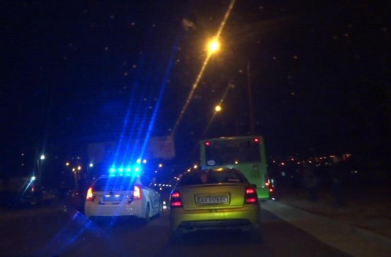 Авария в Харькове. Машину развернуло посреди проспекта (ВИДЕО)