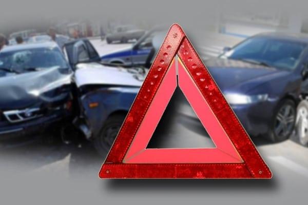 Два автомобиля разбились в Харькове: есть пострадавшие (фото)