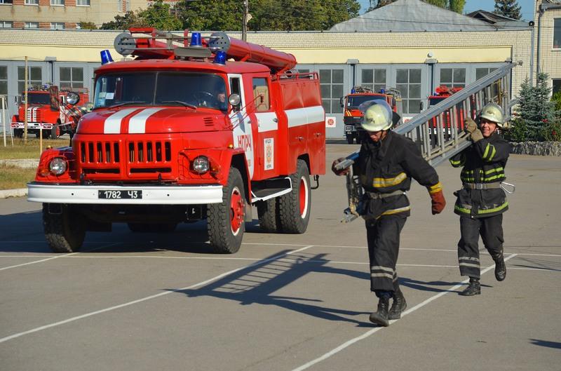 Харьковские спасатели покажут лестницу из рюкзака