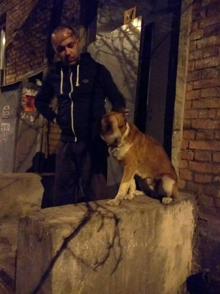 В Харькове бездомного приютили в подъезде и скинулись ему на паспорт
