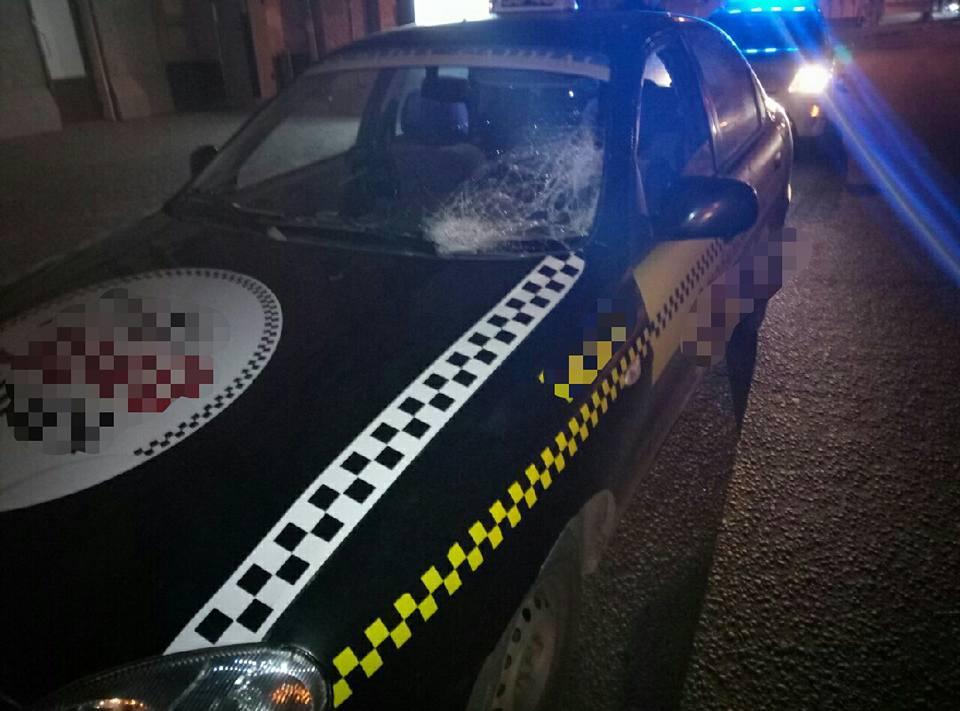 ДТП в Харькове. Несколько человек пострадали, водитель пропал (фото)